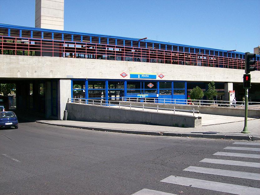 """El lunes 3 de Julio de 2017 coincidiendo con el corte de la linea 5 de METRO DE MADRID. Hemos comenzado los trabajos de: """"Renovacion del solado y peldañeado de las escaleras fijas de la Estacion de Aluche"""". Esta actuación mejorará la seguridad de los viajeros e implementará medidas de accesibilidad, mejorando el aspecto de la estación y la funcionalidad de la misma."""